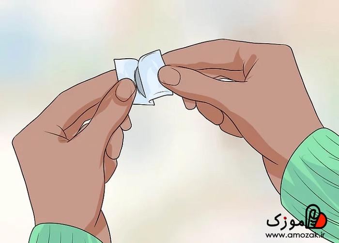 فیلم آموزش گذاشتن لنز در چشم