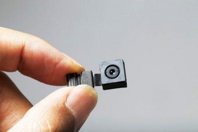 نحوه تشخیص و پیداکردن دوربین مخفی در منزل و محل کار با گوشی